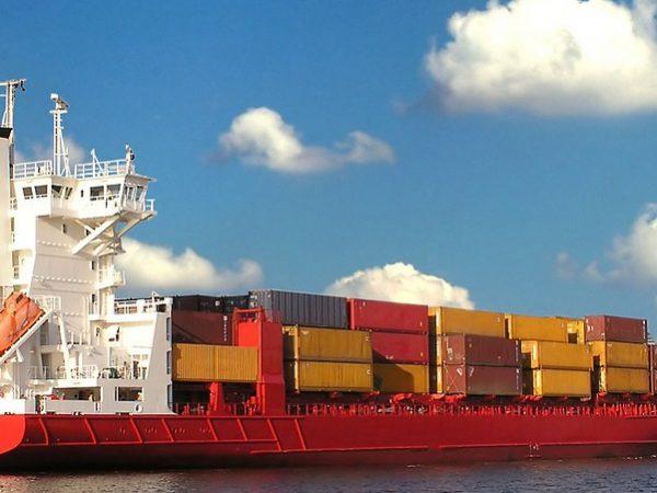 貨櫃航運崩跌,如何看待